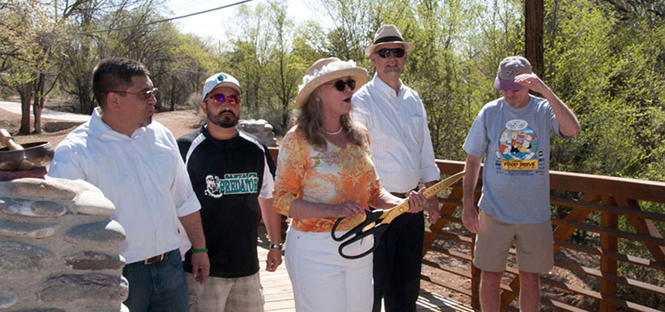 ribbon_cutting_of_los_pinos_bridge
